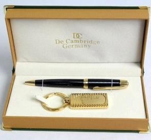 Набор De Cambridge: ручка, брелок. код:  (20006)